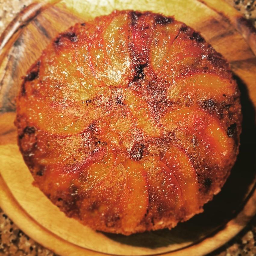 Tarte tatin integrale vaniglia e gocce di cioccolato, con fettine di mela epescanoce