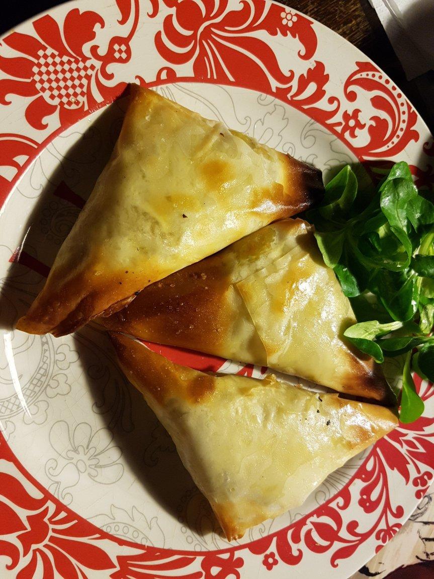 Samosa batata, ceci, pistacchi ecurry