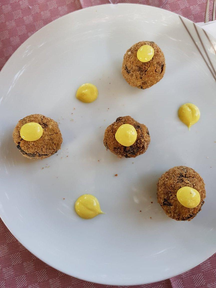 Polpettine ceci e melanzane con mayo agliagrumi